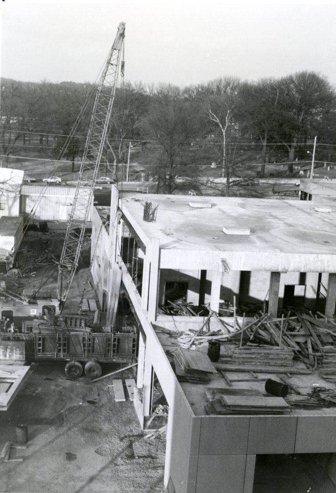 Lupton Library under construction. Photo courtesy of Special Collections & University Archives, UTC Library, The University of Tennessee at Chattanooga.