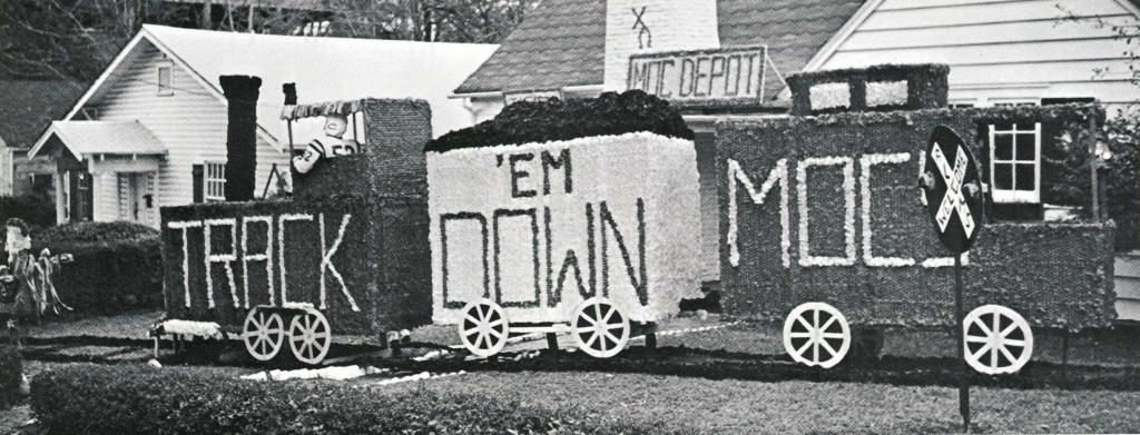 Chi Omega Homecoming decorations, Fall 1964