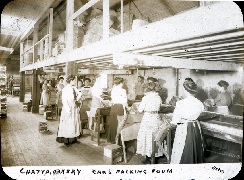 CHC-2003-021-071. Women packing cakes at the Chattanooga Bakery. Courtesy of the Chattanooga Public Library and University of Tennessee at Chattanooga Special Collections.