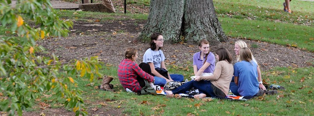 Students-Campus_995