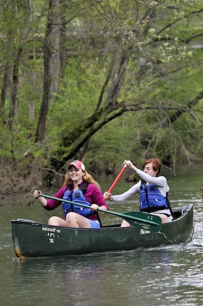 UTC Outdoors canoeing trip