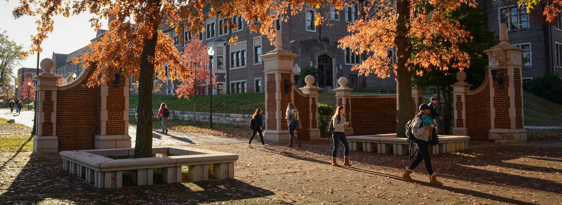 utc or utk Утц располагает развитой инфраструктурой, включающей: - 3-х этажный учебный корпус с.
