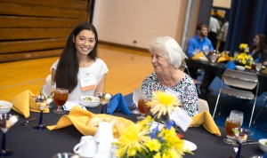 20160913-scholarship-luncheon-0997