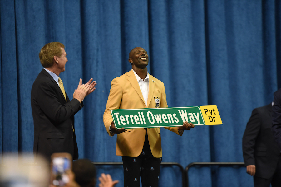finest selection 3847f 605f4 For You': Terrell Owens dedicates Hall of Fame induction to ...