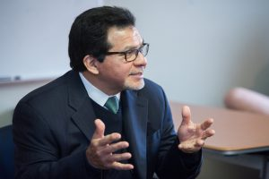 Former U.S. Attorney Gonzalez offers his insights to students