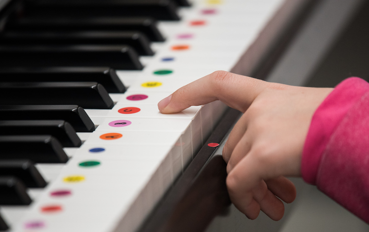 Keyboards for Kids: Free piano lessons for kids who need